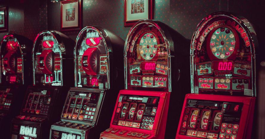 Microgaming Uzupełnienie niezależne studio Sieci i złamać da Banku Sequel