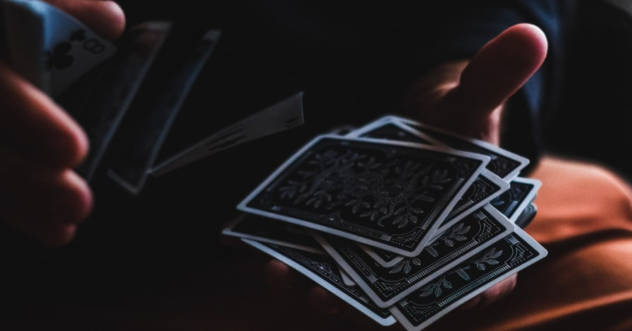 Przewodnik dla początkujących po blefowaniu w pokerze